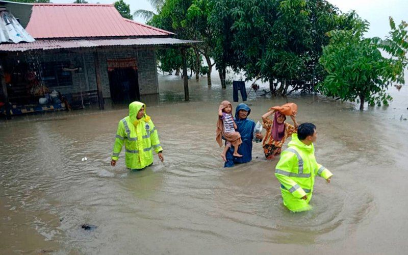 severe heavy rainfall warnings for johor and pahang