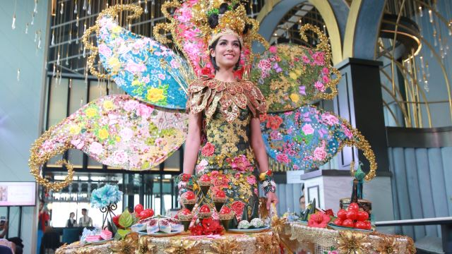 Kuih Lapis and Onde-Onde for Miss Universe Malaysia 2019