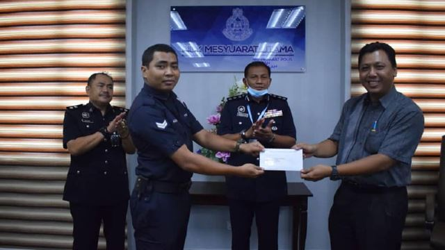 Police Who Saves Tiny Doggo Receives Letter From Selangor Queen!
