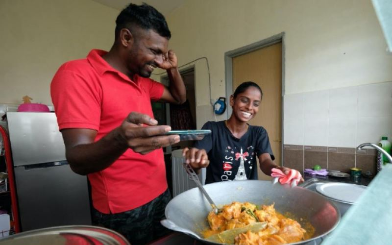 malaysian woman's love for cooking turns her into an internet sensation!