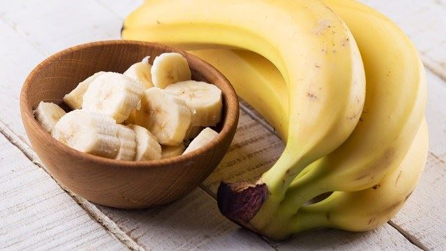 Why You Shouldn't Eat Bananas On An Empty Stomach