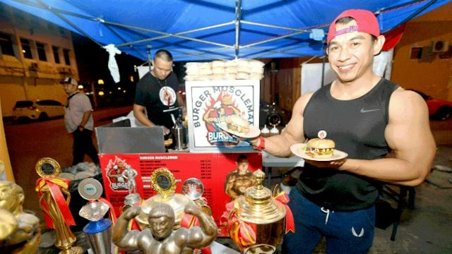 National Bodybuilder Starts Up Burger Stall In Kuching, And It's A Hit!