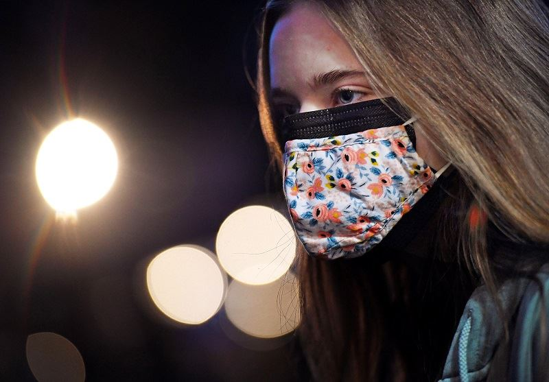 covid-19: us study finds wearing two masks better than one