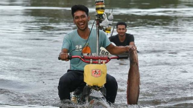 Two Brothers Use Their 'Floodcycles' To Help Their Community