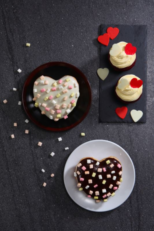 fall in love with these special edition starbucks beverages and merchandise this valentine's day