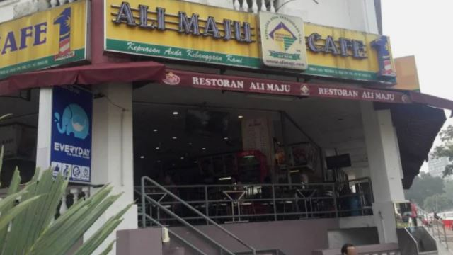 Two Workers At A Mamak In Setapak Tested Positive For COVID-19