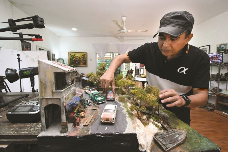 this malaysian artist loves to create miniature realities