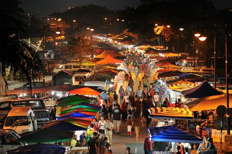 did you know there's a pasar malam on twitter?