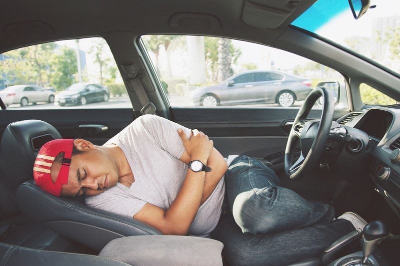 how does sleeping in a car kill you?