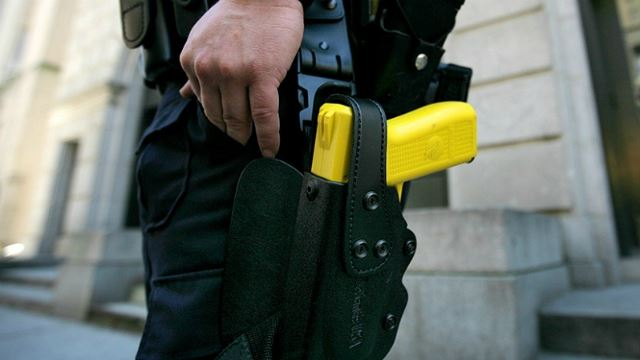 Police Officers Could Start Using Tasers In The Near Future