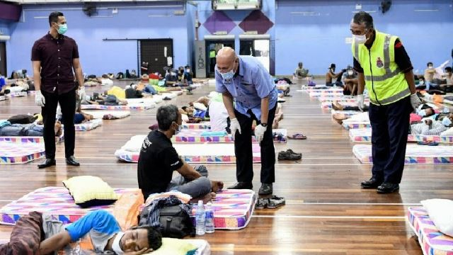 500 Homeless People In KL Given Temporary Shelters!