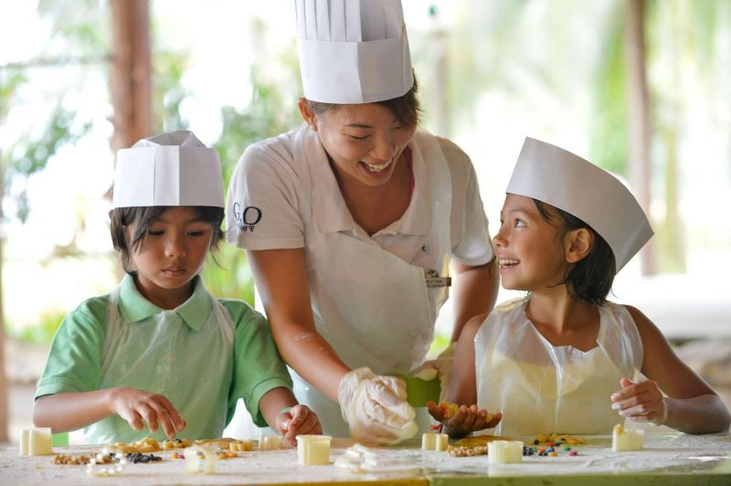 club med cherating is offering free stays to our frontliners!