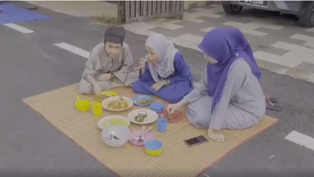 Check Out This Hari Raya Picnic Organized By This Local Neighbourhood!