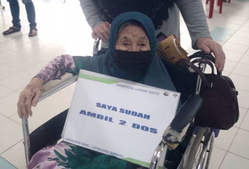 grandmother of 171 great-grandchildren completes her second dose of covid-19 vaccine in sabah!