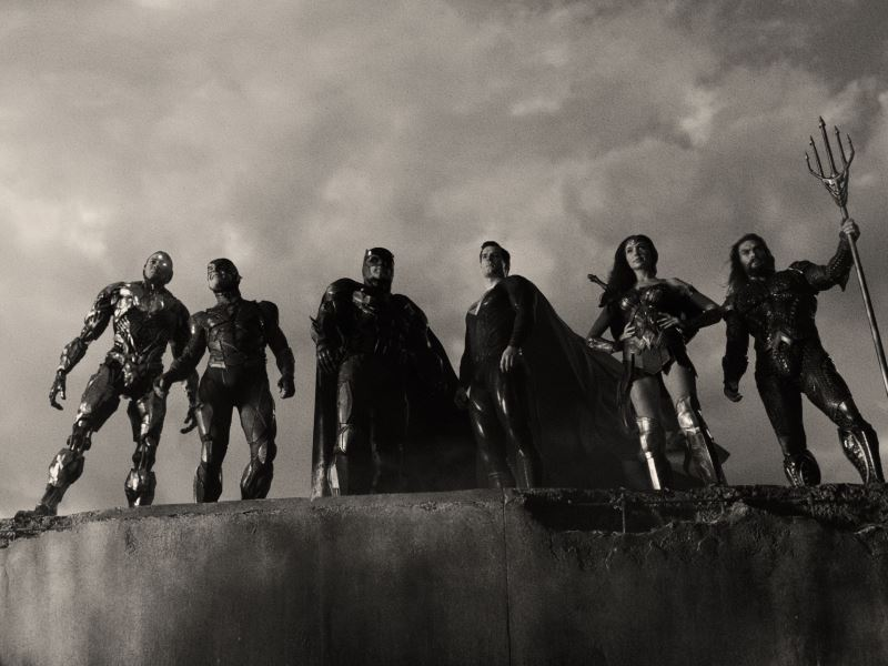 zack snyder's justice league is now in black and white on astro go!