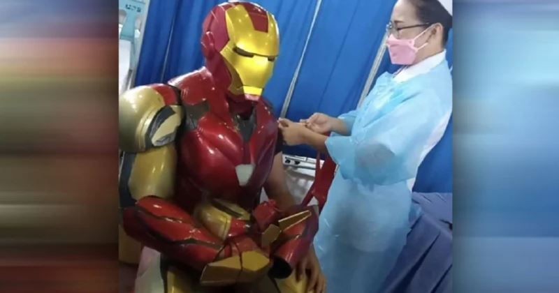 iron man in sabah takes mock vaccine so he can be an example to other people!