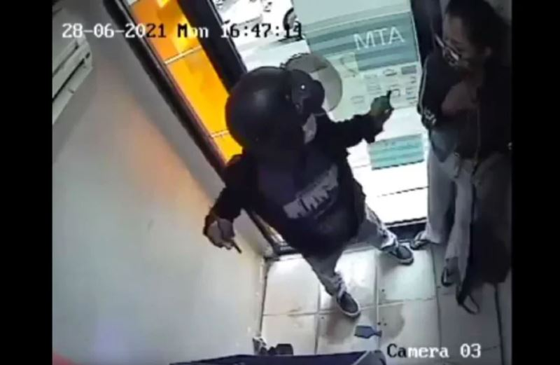 police confirm viral cctv footage of atm robbery did not happen in kota kinabalu
