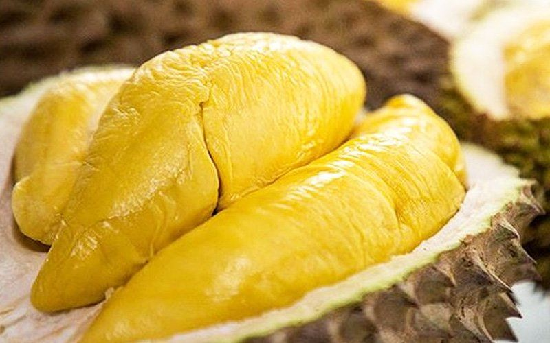 man allegedly dies from eating durian after vaccination, kkm debunks fake news