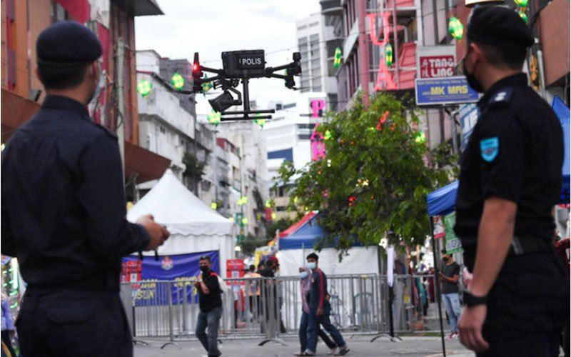 police in terengganu are using drones to scan body temperatures
