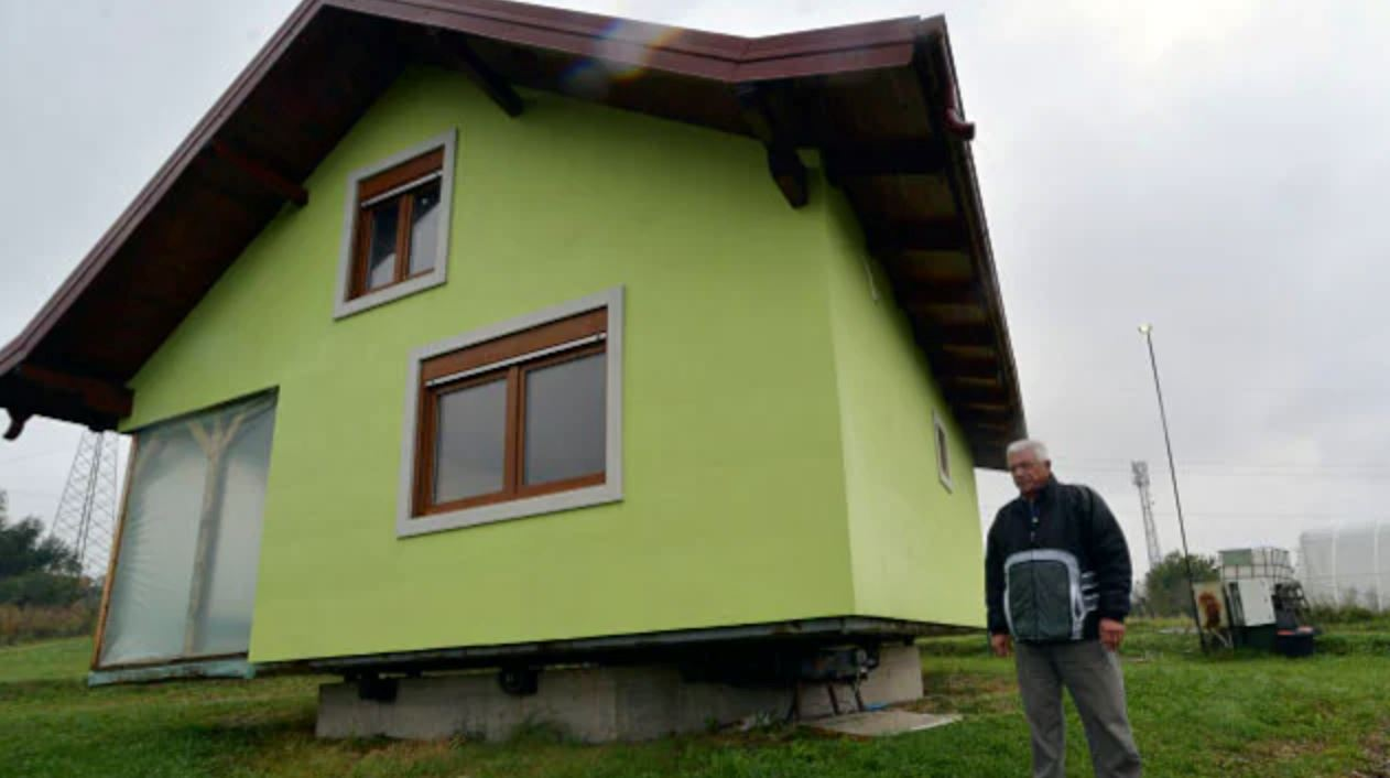 husband builds rotating house for his wife so she can change her view whenever she wants!