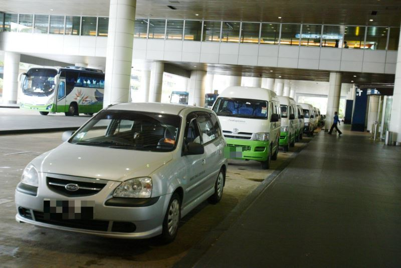 5 minutes is all e-hailing drivers have at klia
