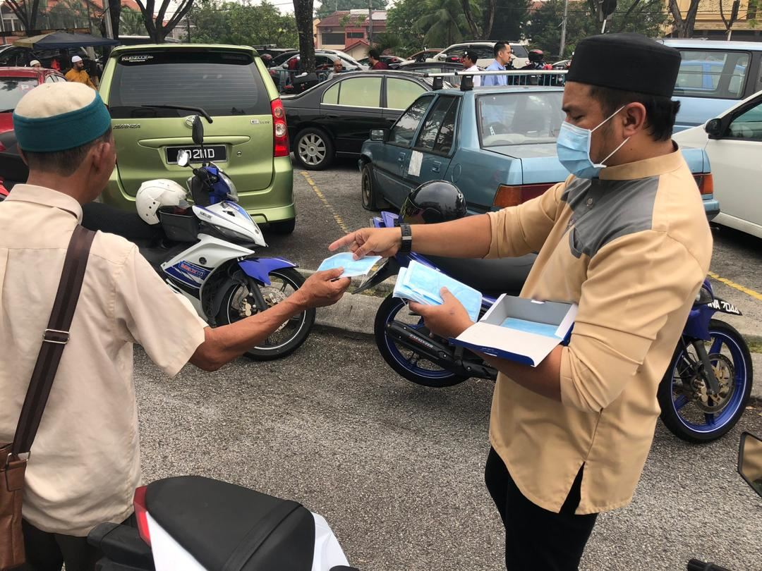 protect yourself with masks from mercy malaysia
