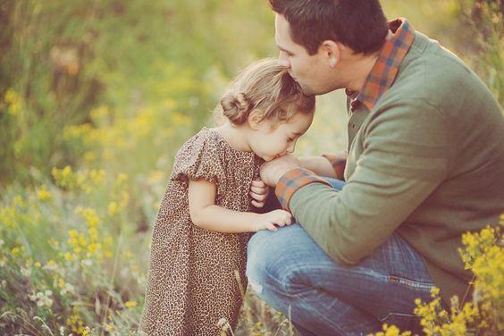 jadikan satu kebiasaan cium anak dan isteri sebelum berangkat bekerja!