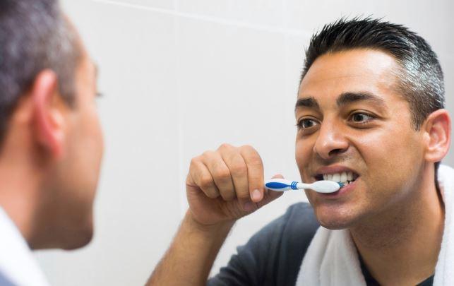 rasa kurang selesa akibat mulut berbau, apakah puncanya?